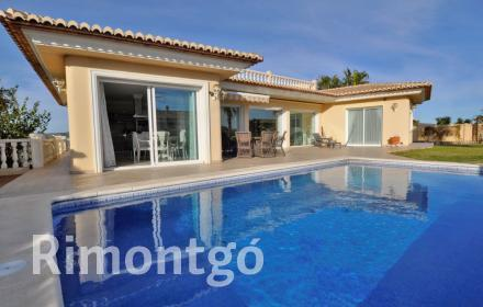 Mediterranean style villa with a pool in a peaceful area, Teulada.