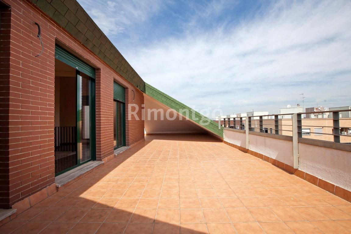 Penthouse for sale in Catarroja, Valencia