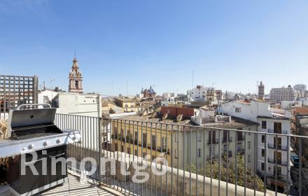Penthouse for sale in Valencia's centre.